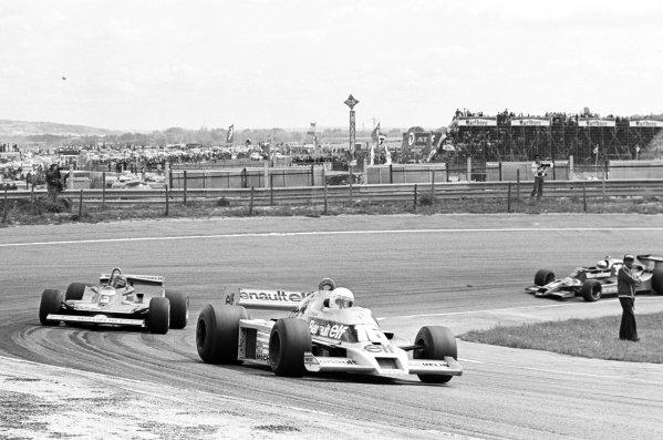 1979 Spanish Grand Prix.Jarama, Spain. 29 April 1979.Rene Arnoux (Renault RS01) leads Gilles Villeneuve (Ferrari 312T4). Ref: 12410 #8.World Copyright - LAT Photographic
