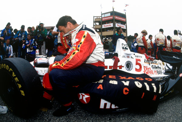 Laguna Seca, CA, USA3 October 1993.Nigel Mansell (Lola T93/00-Cosworth)Ref: 93 Indy 05World Copyright: LAT Photographic.