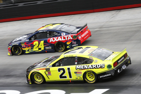 #21: Paul Menard, Wood Brothers Racing, Ford Mustang Menards / Sylvania #24: William Byron, Hendrick Motorsports, Chevrolet Camaro Axalta