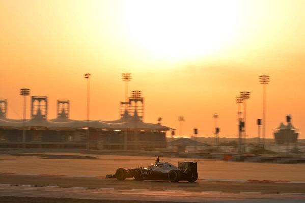 Kevin Magnussen (DEN) McLaren MP4-29. Formula One Testing, Day Two, Bahrain International Circuit, Sakhir, Bahrain, Wednesday 9 April 2014. BEST IMAGE